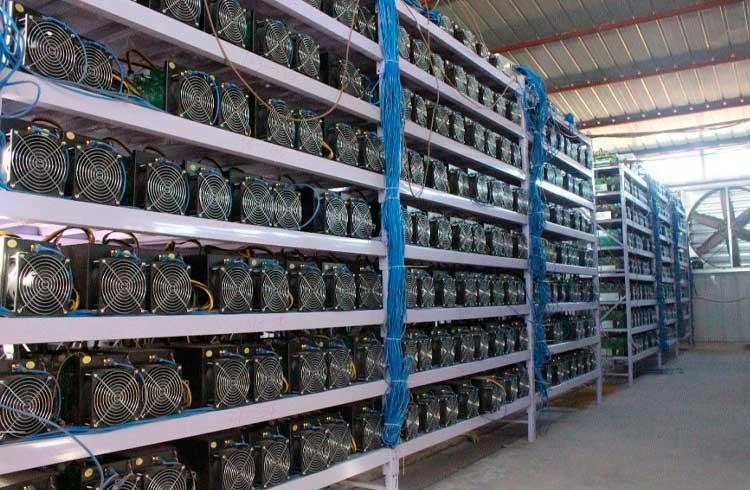 Fabricantes de ASIC queimam estoque devido ao preço do Bitcoin