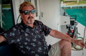 John McAfee oferece mais de R$2.000 para a melhor foto pós apocalíptica
