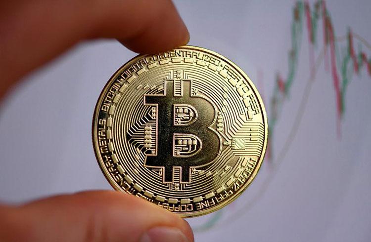 Bitcoin continua abaixo dos R$ 50.000 com a queda do dólar