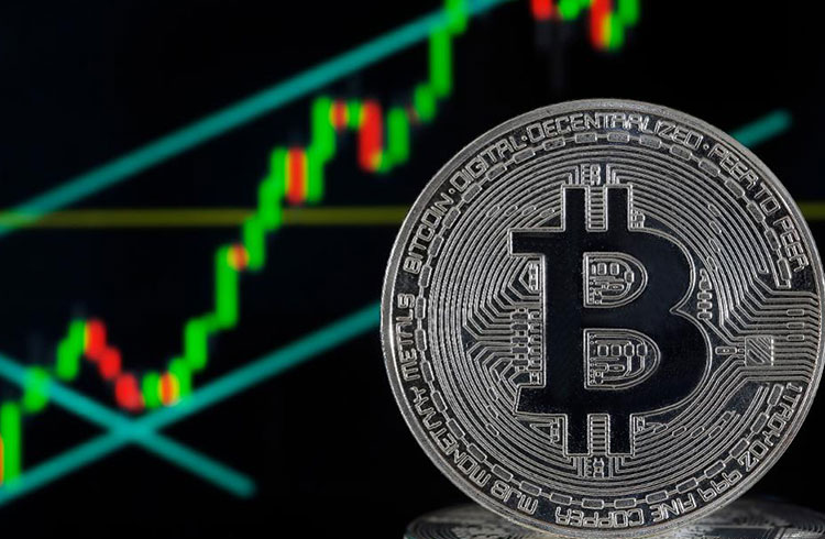 Bitcoin valoriza 4% e rompe os R$ 50.500