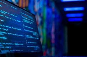 Brasileira baixa arquivo pirata e é vítima de dois malwares para mineração de Bitcoin