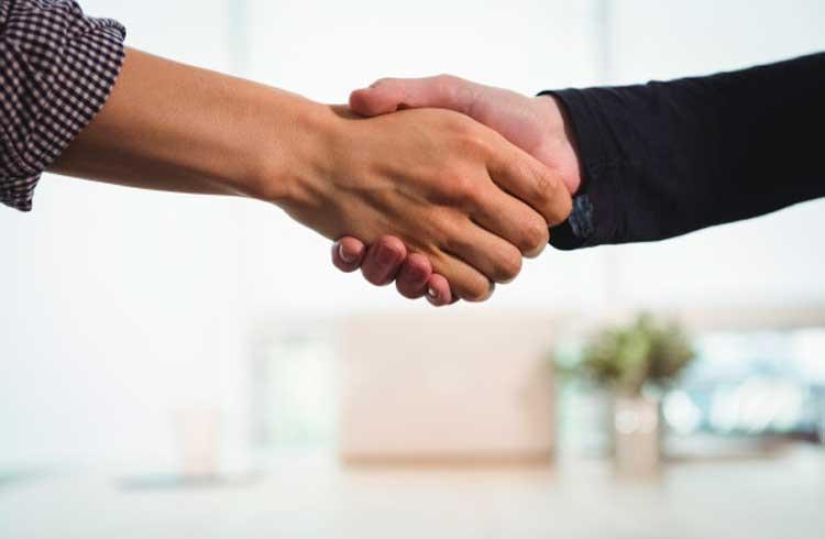 Empresa de blockchain apoiada pelo Santander fecha parceria com a IBM