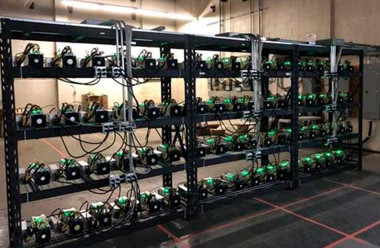 Empresa de mineração compra 1.000 Antminers antes do halving