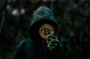 Hacker que invadiu quase 5 mil sites de 40 países e que vendia dados por Bitcoin é localizado em Uberlândia