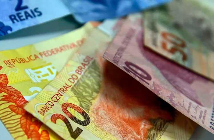 Lei no Brasil pode ser primeiro passo para fim do dinheiro em espécie