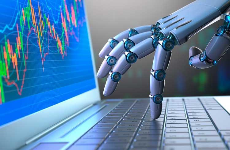 Leo Stronda faz propaganda de robô de investimento de empresa proibida pela CVM