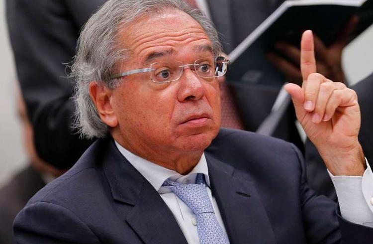 Paulo Guedes afirma que Banco Central pode emitir moeda sem gerar inflação