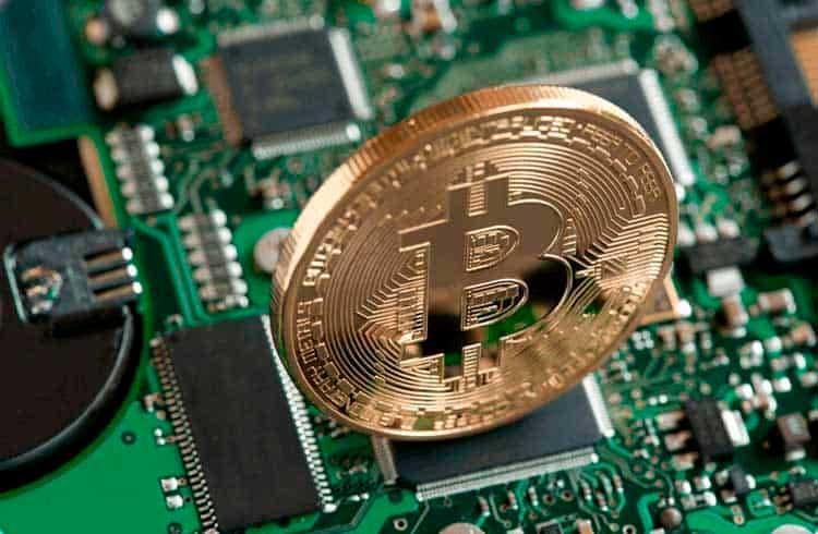 """Pool de mineração de Bitcoin aparece """"do nada"""" e sobe para sexto lugar após o halving"""