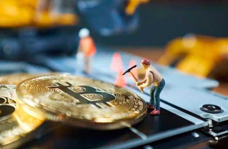 Pools de mineração de Bitcoin esperam queda no hashrate com ativação do halving
