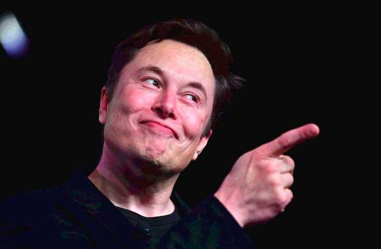 Ação da Tesla alcança R$ 5.000,00 e empresa supera valor de mercado do Bitcoin