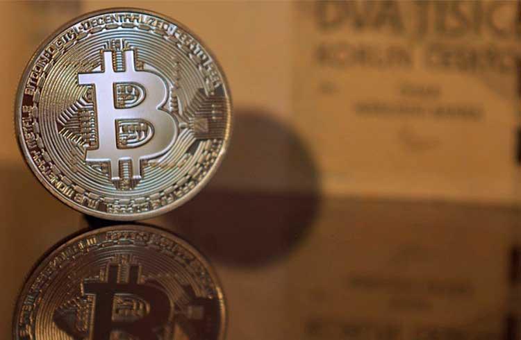 Bitcoin volta aos R$ 50.000 enquanto Cardano valoriza 4%