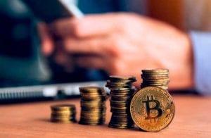 Número de pessoas acumulando Bitcoin atinge recorde histórico