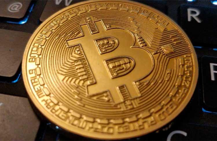 Picos de saques em exchanges podem levar o Bitcoin a R$ 90 mil em agosto