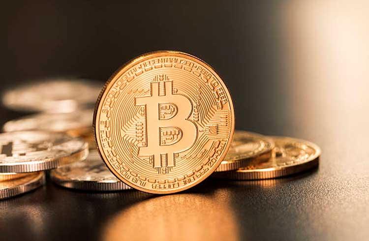 Bitcoin não serve para substituir dinheiro, afirma ex-ministro das finanças da Grécia