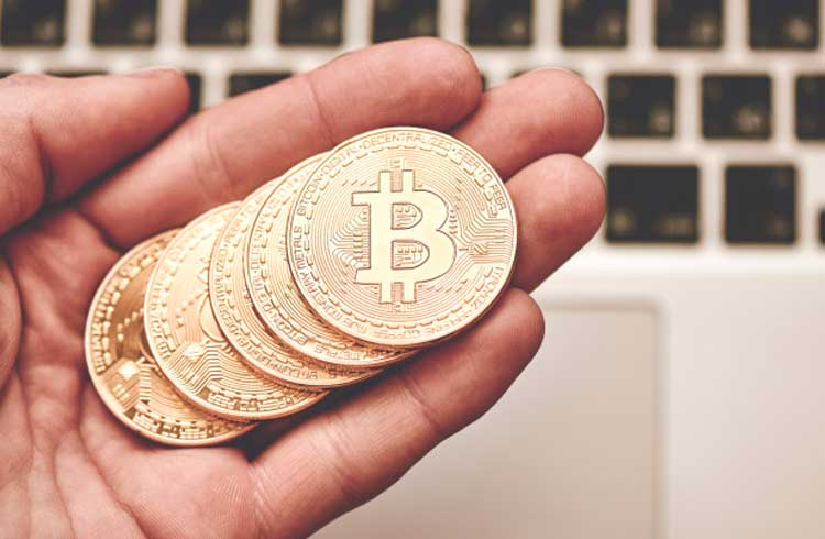 Bitcoin pode superar R$ 70.000 em breve, afirma analista da Fundstrat