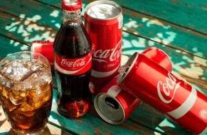 Golpe que promete frigobar de Coca-Cola bloqueia celular e pede resgate em Bitcoin