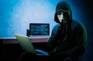 Hacker brasileiro faz pirâmide financeira devolver dinheiro de investidores
