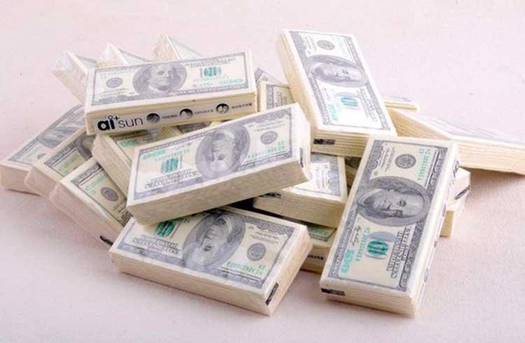 Mais dólares foram impressos em julho do que em 200 anos