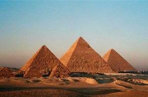 Três maiores golpes com criptomoedas em junho são pirâmides financeiras, aponta relatório
