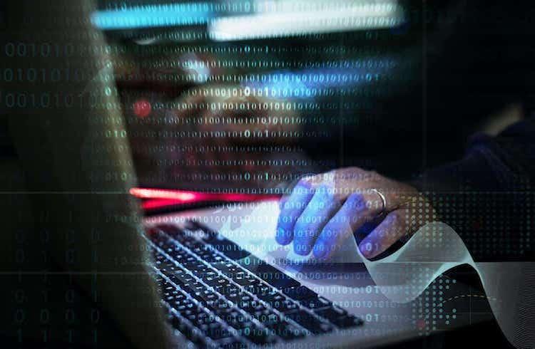 Adolescente de 17 anos é preso nos EUA pelo hack do Twitter