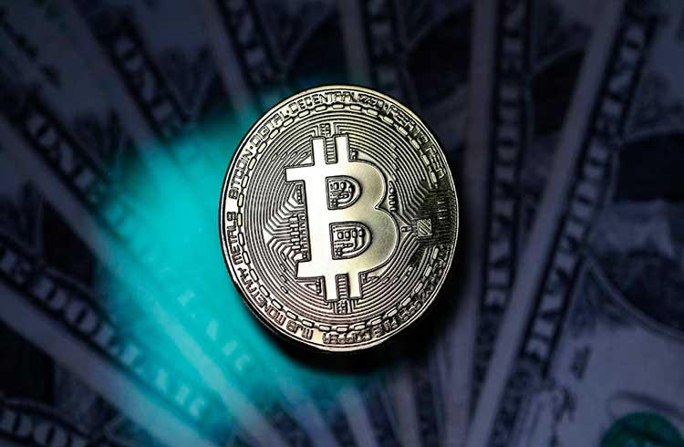 Bitcoin quase em R$ 63.000; Ethereum ultrapassa os R$ 2.100