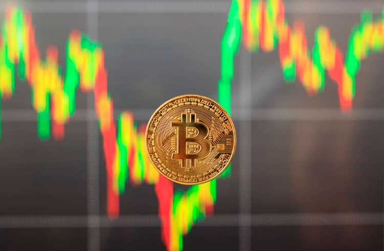 Bitcoin tem primeiro agosto positivo desde 2017, mas perde para S&P 500