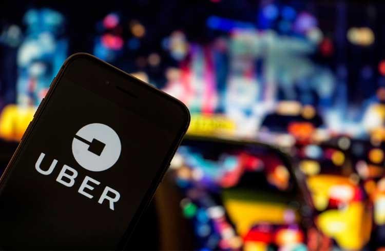 Chefe de segurança da Uber pagou R$ 500 mil em Bitcoin para encobrir hack, descobriu o FBI