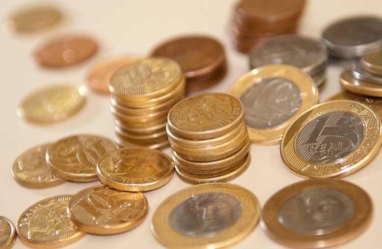Coletor que converte moedas em criptomoedas é criado por brasileiro