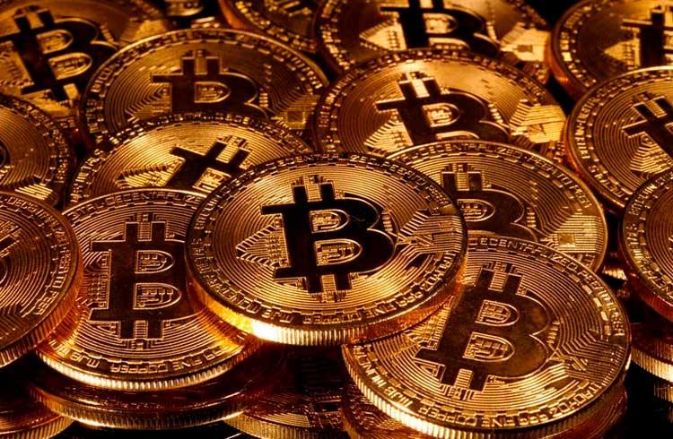 Empresa compra R$ 1,3 bilhão em Bitcoin e valoriza 16% na Nasdaq
