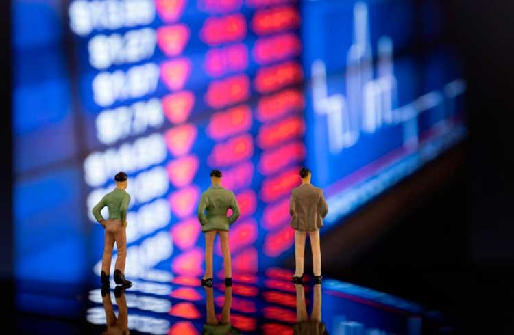 IBOV recua com incertezas sobre Guedes enquanto dólar permanece estável