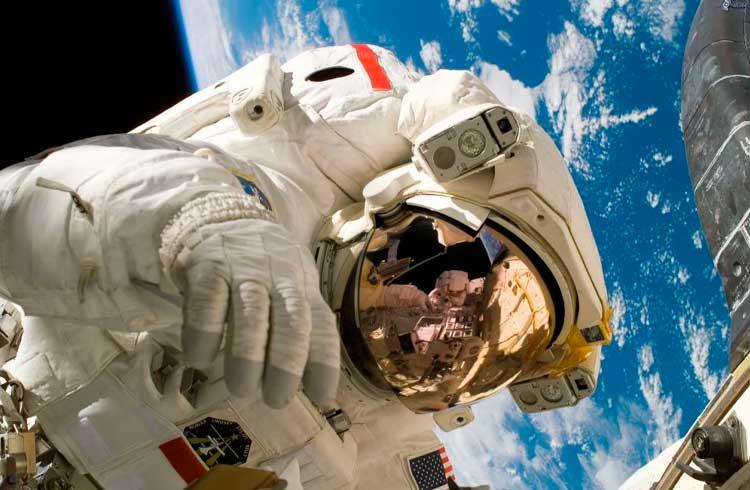 Primeira transação em blockchain no espaço é realizada em parceria com a NASA
