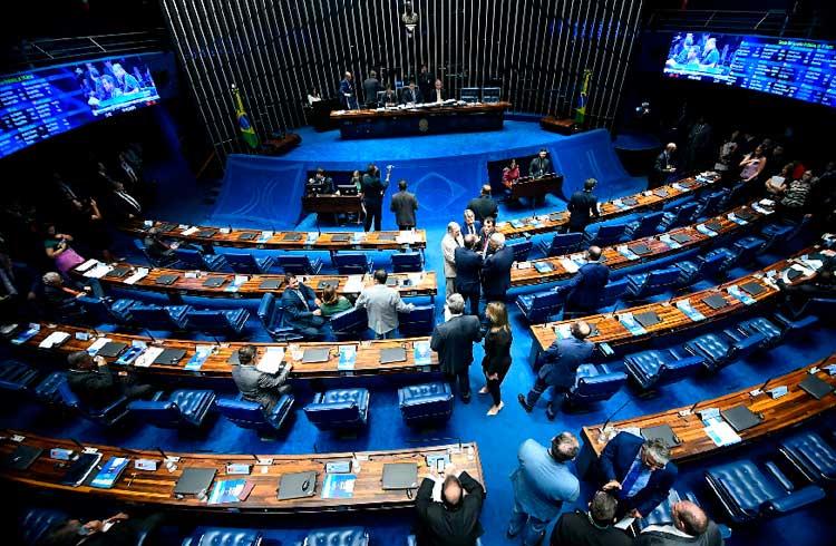 Senado aprova lei que pode frear expansão de fintechs no Brasil