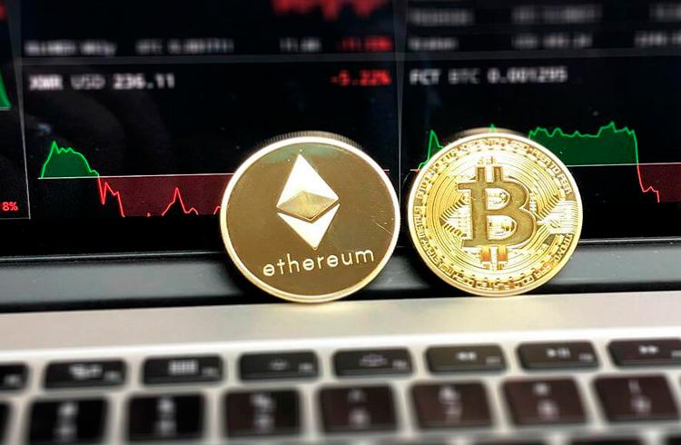 Bitcoin e Ethereum vão cair mais, adverte especialista