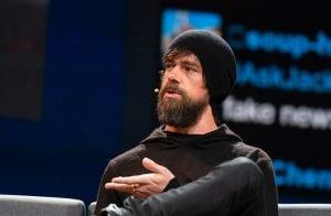CEO do Twitter é criticado por não comprar Bitcoin