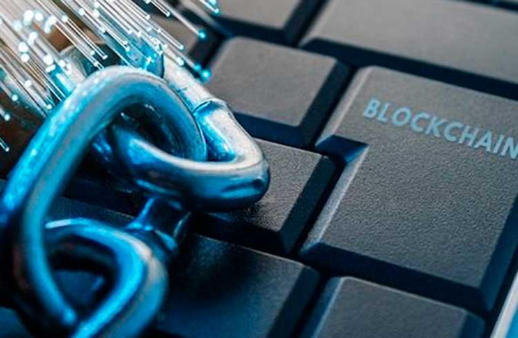 Empresa lança produto em blockchain antes de IPO bilionário