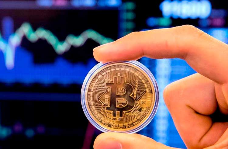 Especialista recomenda deixar Bitcoin rendendo em DeFi