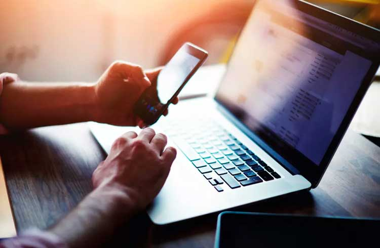 PIX é usado como isca em golpes por e-mail, alerta especialista