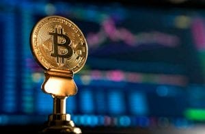"""Preço justo"" do Bitcoin é R$ 80 mil, aponta Bloomberg"