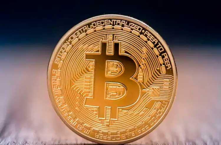 Rede de restaurantes é criticada por investir em Bitcoin