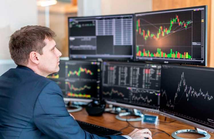 Traders operam com altcoins para lucrar durante inércia do Bitcoin