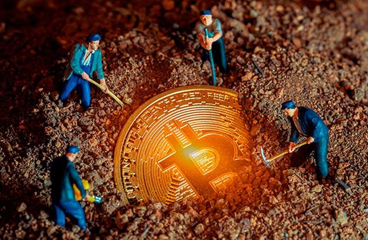 Mineração de Bitcoin não é sustentável, afirma indústria do petróleo