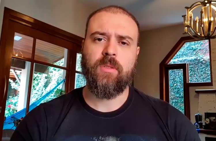 Nando Moura zomba de investidores de Bitcoin e vira piada