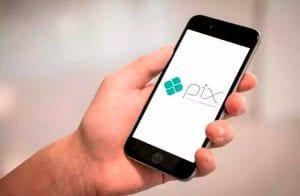 PIX é revolução de pagamentos instantâneos, afirma Bloomberg