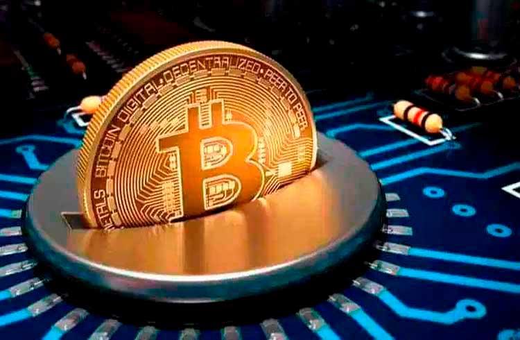 Problema da alta: taxas do Bitcoin atingem pico histórico
