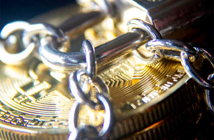 Stratum é acusada de travar Bitcoins de cliente