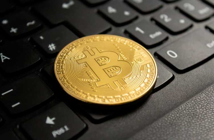 Bitcoin corrige 11%: especialistas explicam motivos da queda