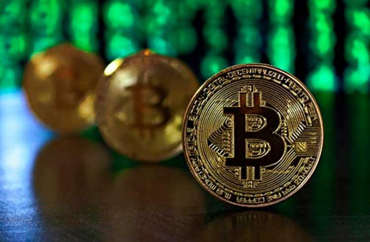 Bitcoin inicia a semana em queda voltando aos R$ 77.000