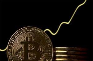 Bitcoin valoriza quase 10% e busca os R$ 85.000; analistas estão otimistas