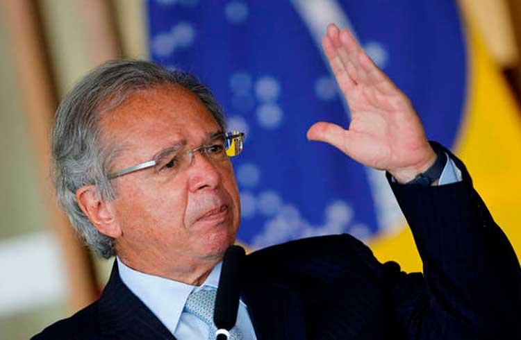 Brasil pode passar por hiperinflação se não conseguir rolar dívida, afirma Guedes