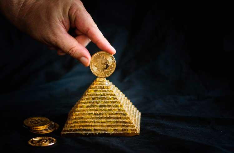 Brasileiros são investigados em esquema internacional de pirâmides de Bitcoin